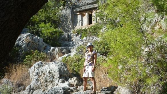 42 Tomb bay